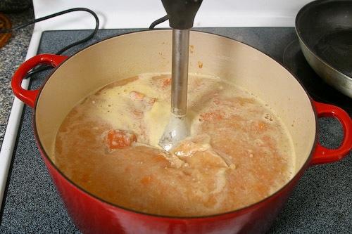 carrot-soup-64402009.jpg