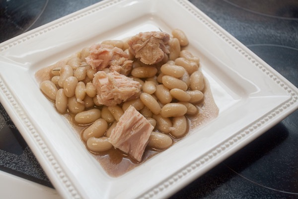 white beans tuna-0592-600px.jpg